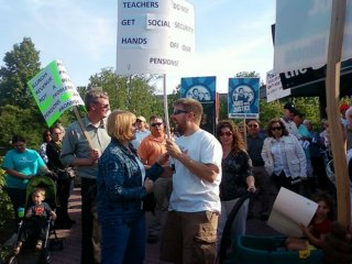 Teachers rally in Naperville, IL